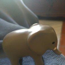 Figuras de Goma y PVC: ELEFANTE DE PLÁSTICO DURO. Lote 257731790