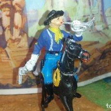 Figuras de Goma y PVC: SOLDADO A CABALLO DE PECH. Lote 258155920