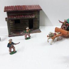 Figuras de Goma y PVC: VAQUEROS Y CARRO CON DEPOSITO . REALIZADOS POR LAFREDO . SERIE 4 CM . AÑOS 50 . CASA NO INCLUIDA. Lote 258860985