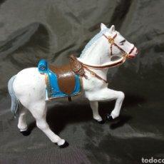 Figuras de Goma y PVC: CABALLO BLANCO DE GOMA DESFILE REAMSA GOMARSA SOLDIS. Lote 259001495
