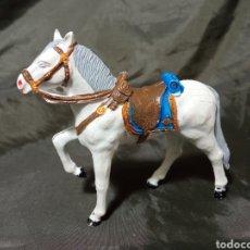 Figuras de Goma y PVC: CABALLO GOMA BLANCO DESFILE REAMSA GOMARSA SOLDIS. Lote 259002610