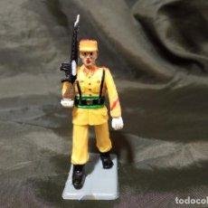 Figuras de Goma y PVC: REF: 714 DESFILE REGULARES DE GOMA FUSIL REAMSA GOMARSA SOLDIS. Lote 259265305