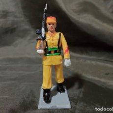 Figuras de Goma y PVC: REF: 714 DESFILE REGULARES DE GOMA FUSIL REAMSA GOMARSA SOLDIS. Lote 259265585