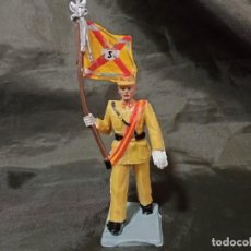 Figuras de Goma y PVC: REF: 714 DESFILE REGULARES DE GOMA CON BANDERA REAMSA GOMARSA SOLDIS. Lote 259265945