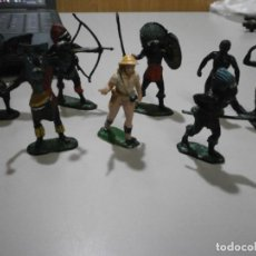Figuras de Borracha e PVC: TEIXIDO LOTE DE AFRICANOS HECHICERO BRUJO CAZADORA SAFARI. Lote 259996930