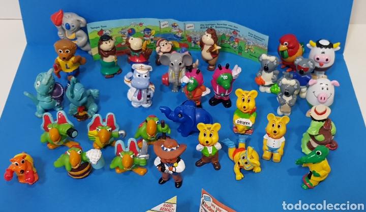 Figuras Kinder: LOTE 32 MUÑECOS KINDER SORPRESA + 7 folletos / HUEVOS KINDER / - Foto 2 - 260281445