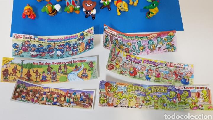 Figuras Kinder: LOTE 32 MUÑECOS KINDER SORPRESA + 7 folletos / HUEVOS KINDER / - Foto 4 - 260281445
