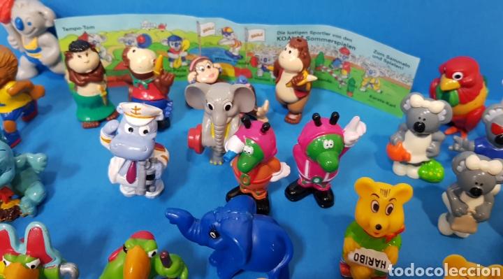 Figuras Kinder: LOTE 32 MUÑECOS KINDER SORPRESA + 7 folletos / HUEVOS KINDER / - Foto 10 - 260281445
