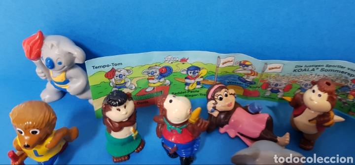 Figuras Kinder: LOTE 32 MUÑECOS KINDER SORPRESA + 7 folletos / HUEVOS KINDER / - Foto 12 - 260281445