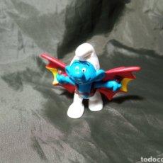 Figuras de Goma y PVC: PITUFO VOLADOR LEORNARDO DAVINCI. Lote 260466135