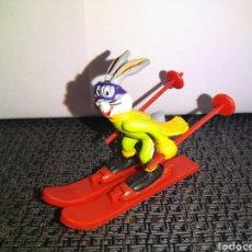 Figuras de Goma y PVC: FIGURA CONEJO BUGS BUNNY ESQUIADOR COMICS SPAIN WARNER BROS LONEY TOONS PVC. Lote 261266695