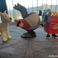 Figuras de Goma y PVC: PACK DE MUÑECOS DE DIBUJOS ANIMADOS DE TINTIN (MILU) PAJARO BAILON Y CAJA DE MCDONALDS. Lote 261282060