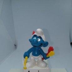 Figuras de Goma y PVC: PITUFO ARQUERO - ARCO DELGADO - BULLY- PEYO. Lote 261625855