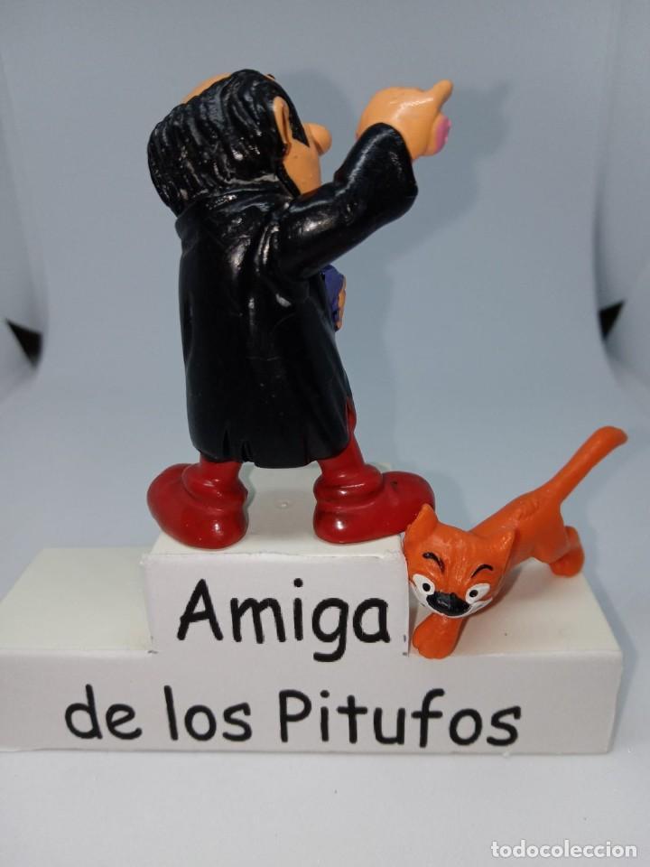 Figuras de Goma y PVC: PITUFOS - GARGAMEL CON MATERIAL DE LABORATORIO - ROSAY MORADO -SCHLEICH - Foto 2 - 261858405