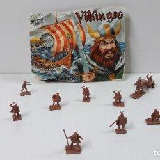 Figuras de Goma y PVC: SOBRE Y GUERREROS VIKINGOS - MONTAPLEX . ORIGINAL AÑOS 70 / 80. Lote 262527825