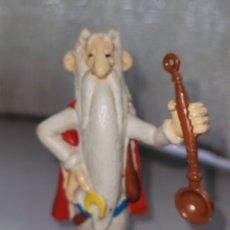Figuras de Goma y PVC: BONITA FIGURA PVC GOMA DRUIDA MAGO ASTERIX Y OBELIX MAIA BORGES PORTUGAL. Lote 262672820