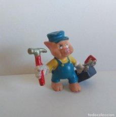 Figuras de Goma y PVC: FIGURA - CERDITO CARPINTERO TRES CERDITOS Y EL LOBO - BULLYLAND DISNEY MADE IN GERMANY PINTADA MANO. Lote 262776845
