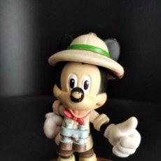 Figuras de Goma y PVC: MICKEY MOUSE EXPLORADOR - FIGURA PVC - DISNEY MIKI. Lote 262882890