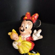 Figuras de Goma y PVC: MINNIE MOUSE CON MUÑECA - FIGURA PVC - DISNEY BULLY. Lote 262883025