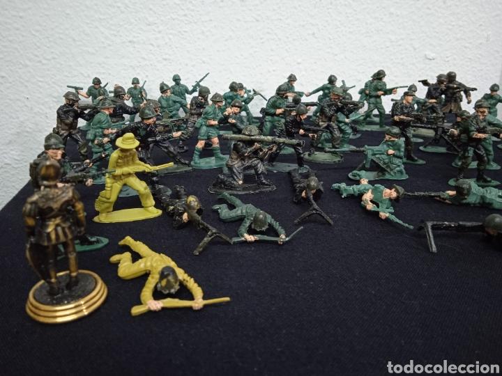 Figuras de Goma y PVC: 54 soldados. Figuras militares de pvs - Foto 2 - 262960925