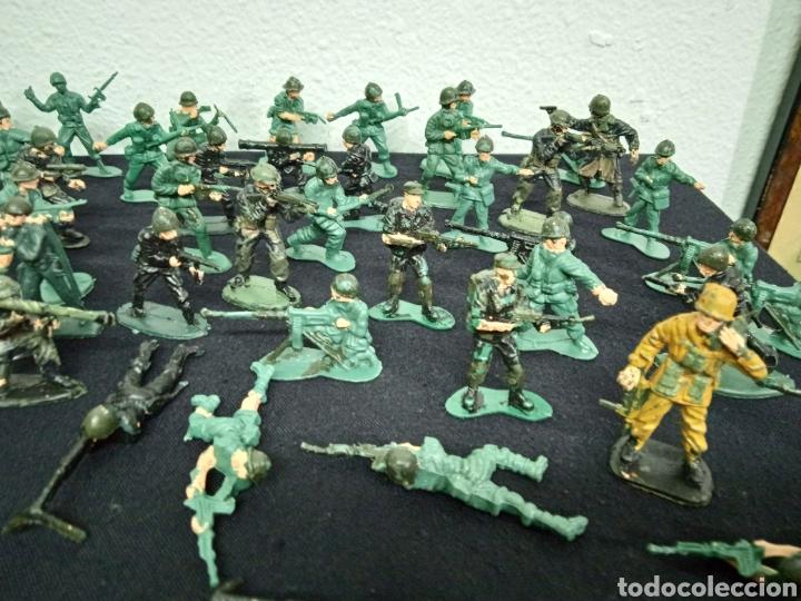 Figuras de Goma y PVC: 54 soldados. Figuras militares de pvs - Foto 3 - 262960925