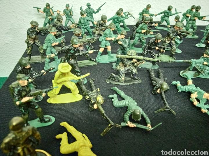 Figuras de Goma y PVC: 54 soldados. Figuras militares de pvs - Foto 4 - 262960925