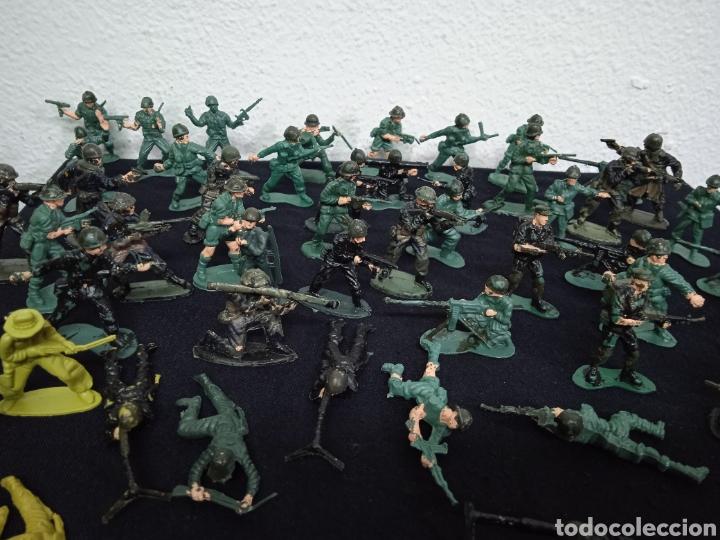 Figuras de Goma y PVC: 54 soldados. Figuras militares de pvs - Foto 5 - 262960925