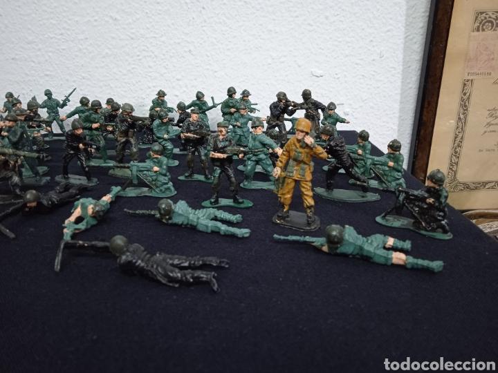 Figuras de Goma y PVC: 54 soldados. Figuras militares de pvs - Foto 6 - 262960925