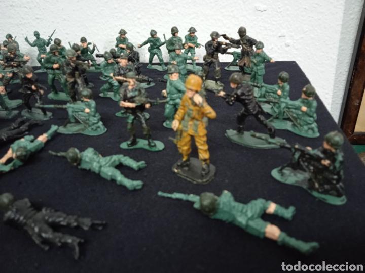 Figuras de Goma y PVC: 54 soldados. Figuras militares de pvs - Foto 7 - 262960925