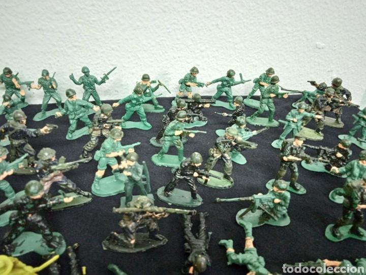 Figuras de Goma y PVC: 54 soldados. Figuras militares de pvs - Foto 9 - 262960925