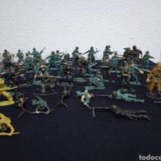 Figuras de Goma y PVC: 54 SOLDADOS. FIGURAS MILITARES DE PVS. Lote 262960925