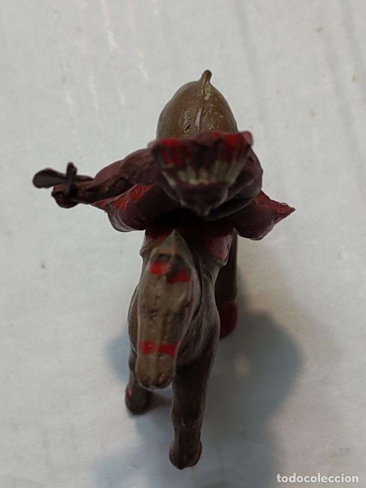 Figuras de Goma y PVC: Figura en Goma Lafredo serie Pequeña Jefe Indio a Caballo con hacha - Foto 5 - 262987380