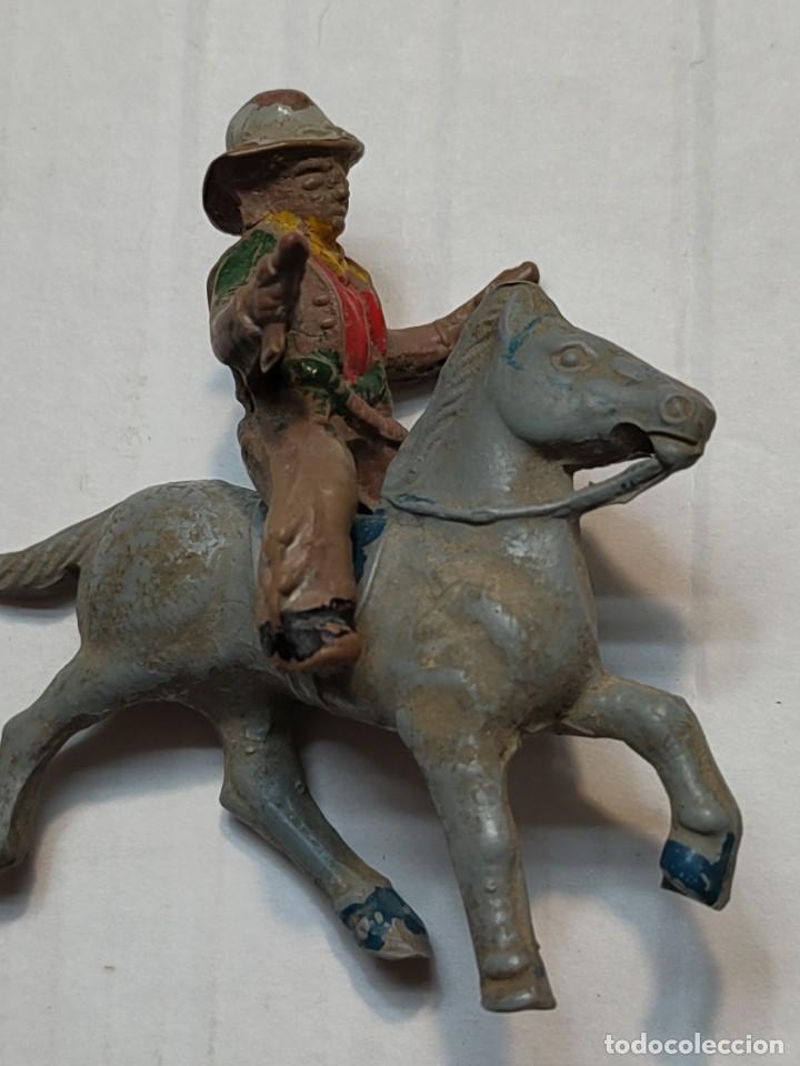 Figuras de Goma y PVC: Figura en Goma Lafredo serie Pequeña Vaquero a Caballo con pistolas - Foto 2 - 262987465