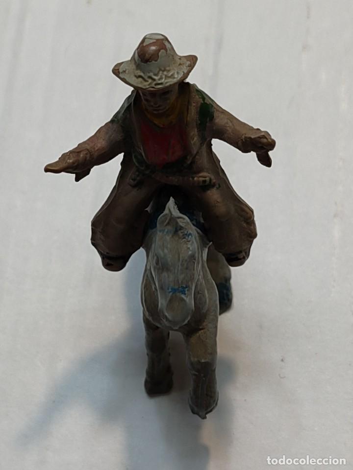 Figuras de Goma y PVC: Figura en Goma Lafredo serie Pequeña Vaquero a Caballo con pistolas - Foto 3 - 262987465