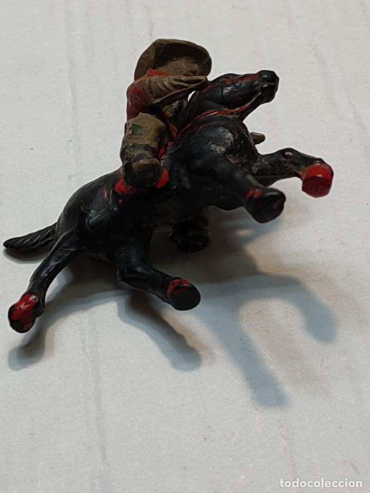 Figuras de Goma y PVC: Figura en Goma Lafredo serie Pequeña Vaquero a Caballo con pistolas - Foto 4 - 262987505