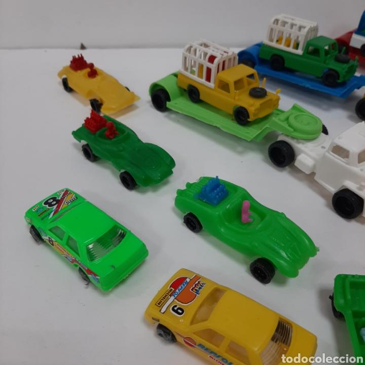 Figuras de Goma y PVC: Bonito lote kiosko pipero camiones con land rover marcados abajo y coches diversos - Foto 2 - 263054615