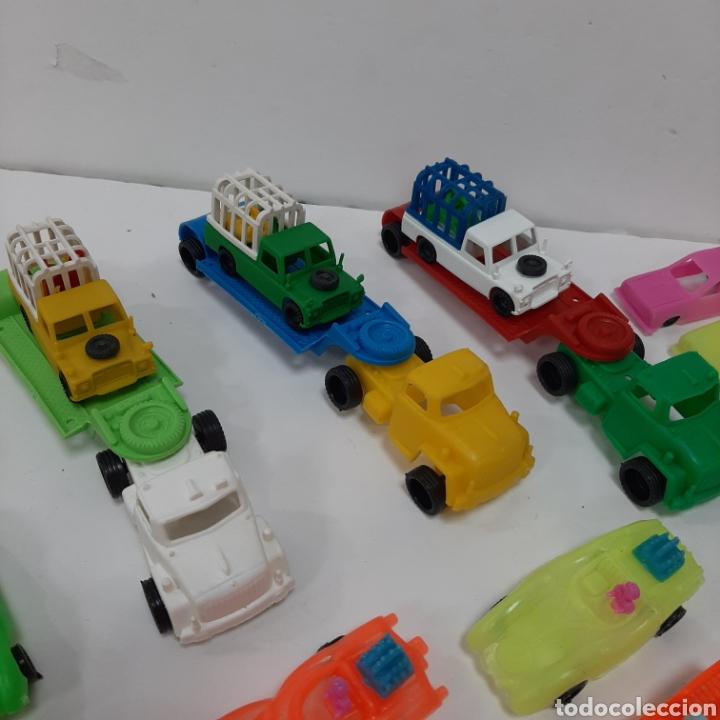 Figuras de Goma y PVC: Bonito lote kiosko pipero camiones con land rover marcados abajo y coches diversos - Foto 6 - 263054615