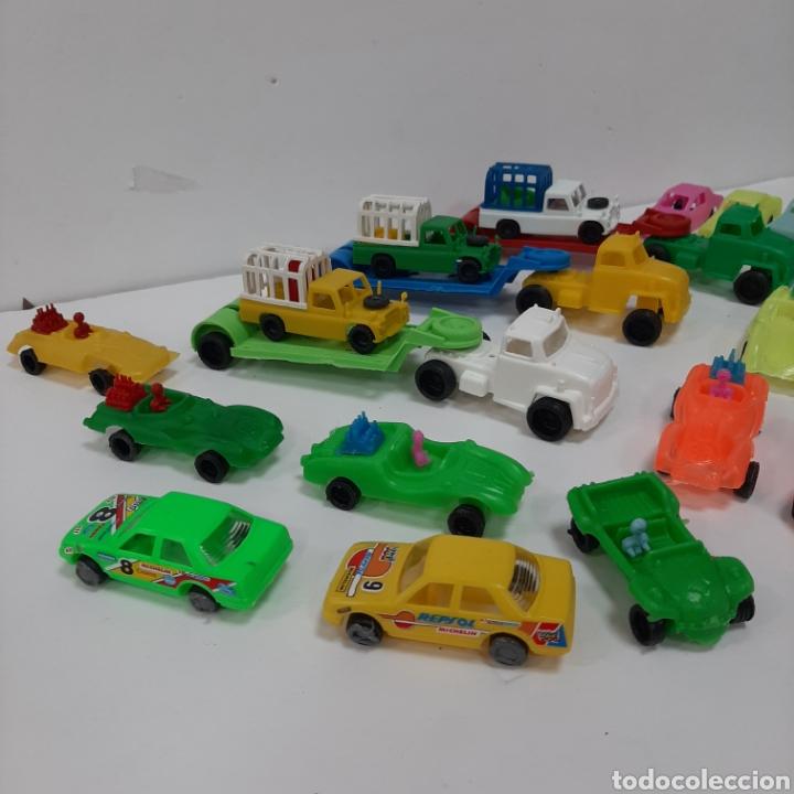 Figuras de Goma y PVC: Bonito lote kiosko pipero camiones con land rover marcados abajo y coches diversos - Foto 7 - 263054615