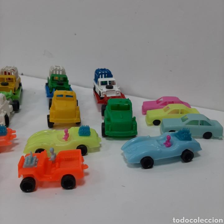 Figuras de Goma y PVC: Bonito lote kiosko pipero camiones con land rover marcados abajo y coches diversos - Foto 8 - 263054615