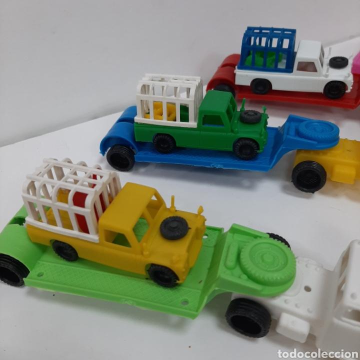 Figuras de Goma y PVC: Bonito lote kiosko pipero camiones con land rover marcados abajo y coches diversos - Foto 9 - 263054615