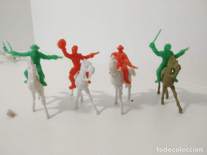 Figuras de Goma y PVC: Gran surtido indios y vaquero minioeste comansi . Años 70/80 - Foto 3 - 263083910