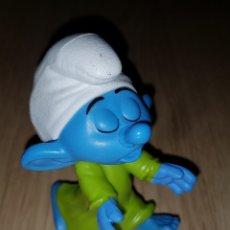 Figuras de Goma y PVC: FIGURA PITUFO DORMILÓN PITUFOS SMURFS PEYO MUÑECO COLECCIÓN DIBUJOS ANIMADOS MCDONALD'S MCDONALD. Lote 263167580