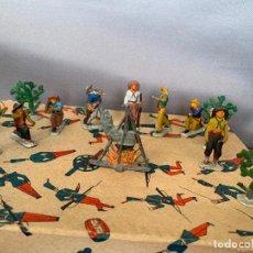 Figuras de Goma y PVC: PECH HERMANOS COWBOYS EN COMBATE A/59 BIS FIGURAS EN PLOMO AÑOS 40. Lote 263175270