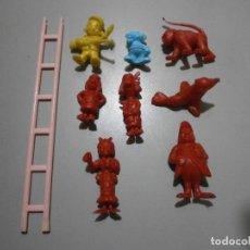 Figuras de Borracha e PVC: LOTE DE FIGURAS DUNKIN Y ESCALERA SALTIMBANQUI. Lote 263247635
