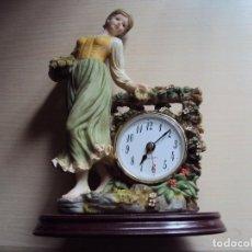 Figuras de Goma y PVC: RELOJ CON FIGURA VINTAGE. Lote 263700330