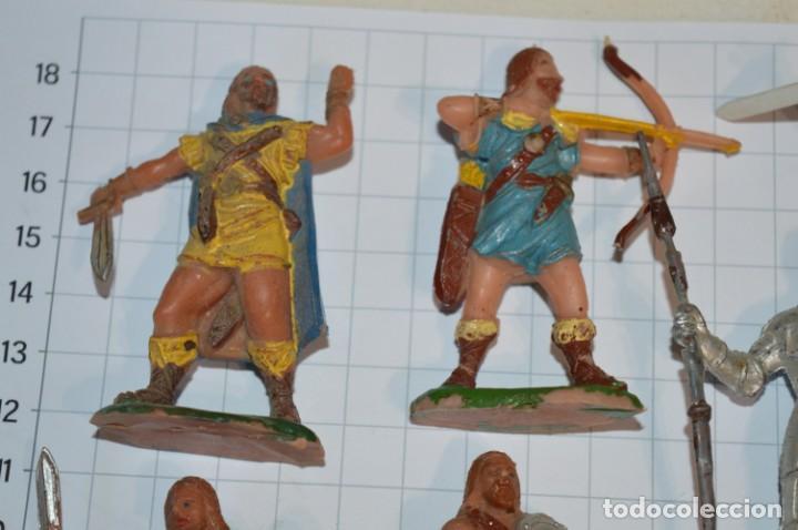 Figuras de Goma y PVC: Lote CAPITÁN TRUENO, VIKINGOS y OTROS / Antiguos - Plástico / PVC - ¡Mira, muy, muy difíciles! - Foto 4 - 265334849