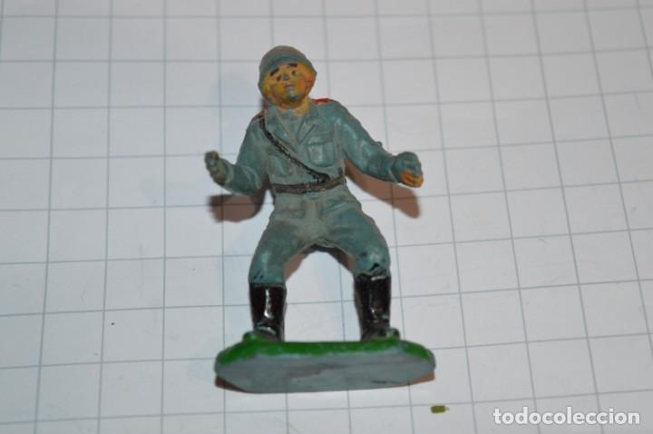 Figuras de Goma y PVC: Lote CAÑON y SOLDADO ALEMÁN apoyo/servidor / Soldado de goma / Antiguos - ¡Mira fotos y detalles! - Foto 4 - 265343519