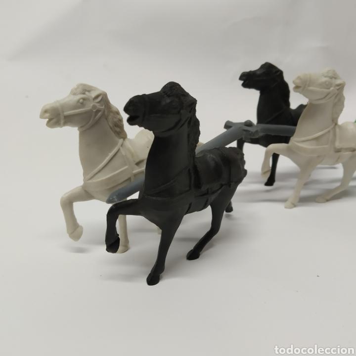 Figuras de Goma y PVC: Diligencia del oeste SOTORRES con caballos blancos y negros - Foto 2 - 265656609
