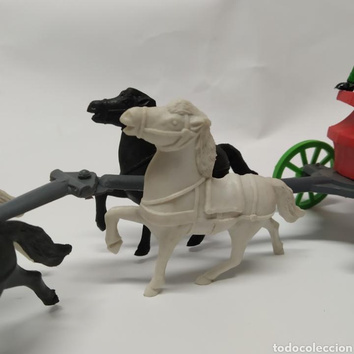 Figuras de Goma y PVC: Diligencia del oeste SOTORRES con caballos blancos y negros - Foto 3 - 265656609