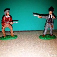 Figuras de Goma y PVC: FIGURAS DE JOHN WAYNE E INSPECTOR DE PICKETT. Lote 265656824